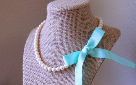 Pearl bridesmaids necklaces
