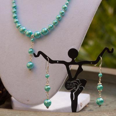 custom pearl bridesmaid jewelry